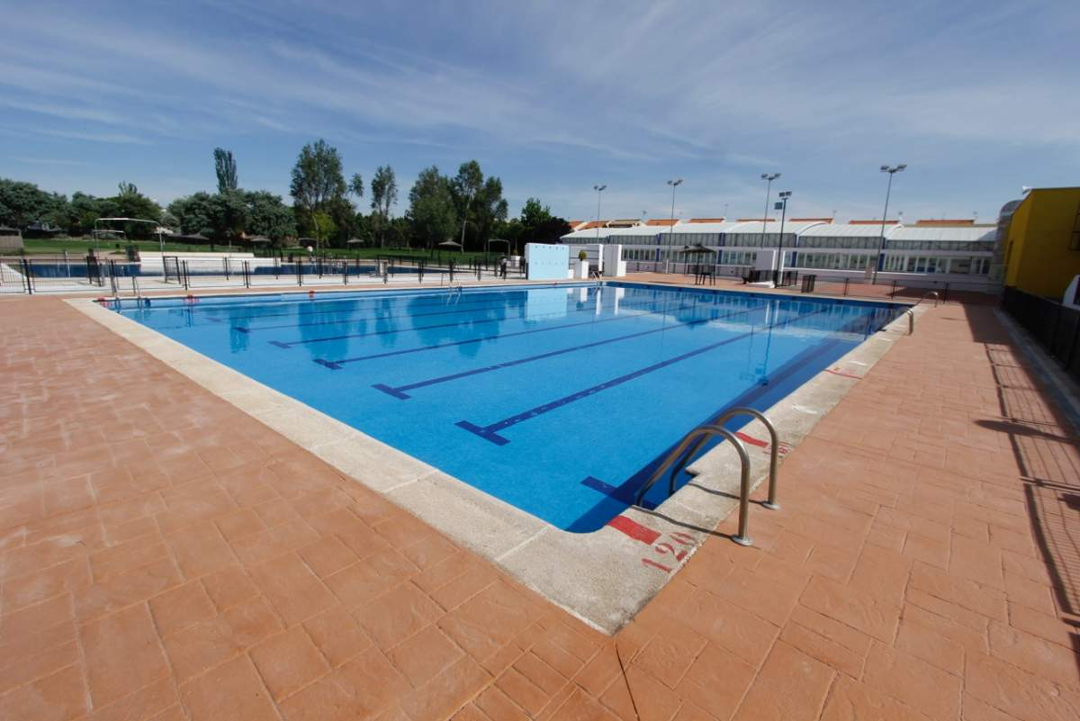 Piscina quintanar dela orden latest piscina quintanar de la orden pinterest with piscina - Piscina municipal toledo ...